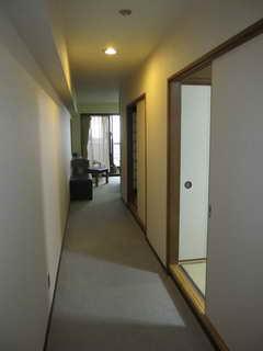 ホテル、広い部屋